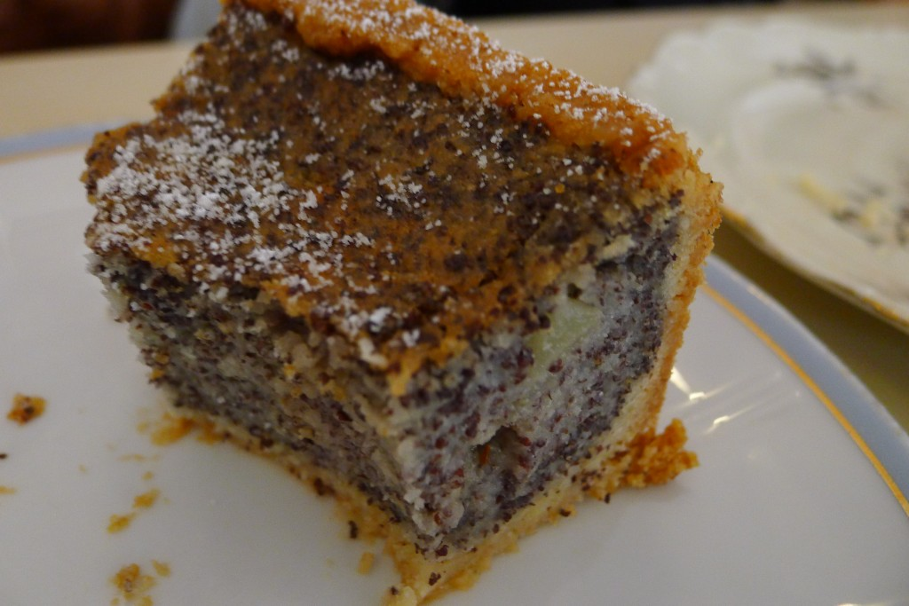 Poppy Seed Cake - Vegan Berlin